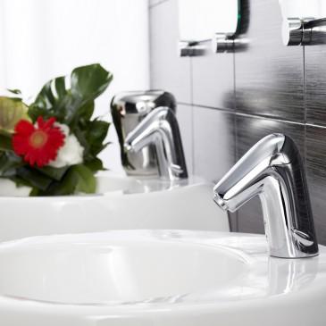 Baterie bezdotykowe – Higiena i oszczędność wody